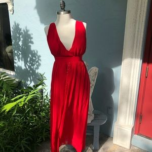 Dresses & Skirts - Red Evening Chiffon Backless Maxi 🌺.  Sz  6-8🌺